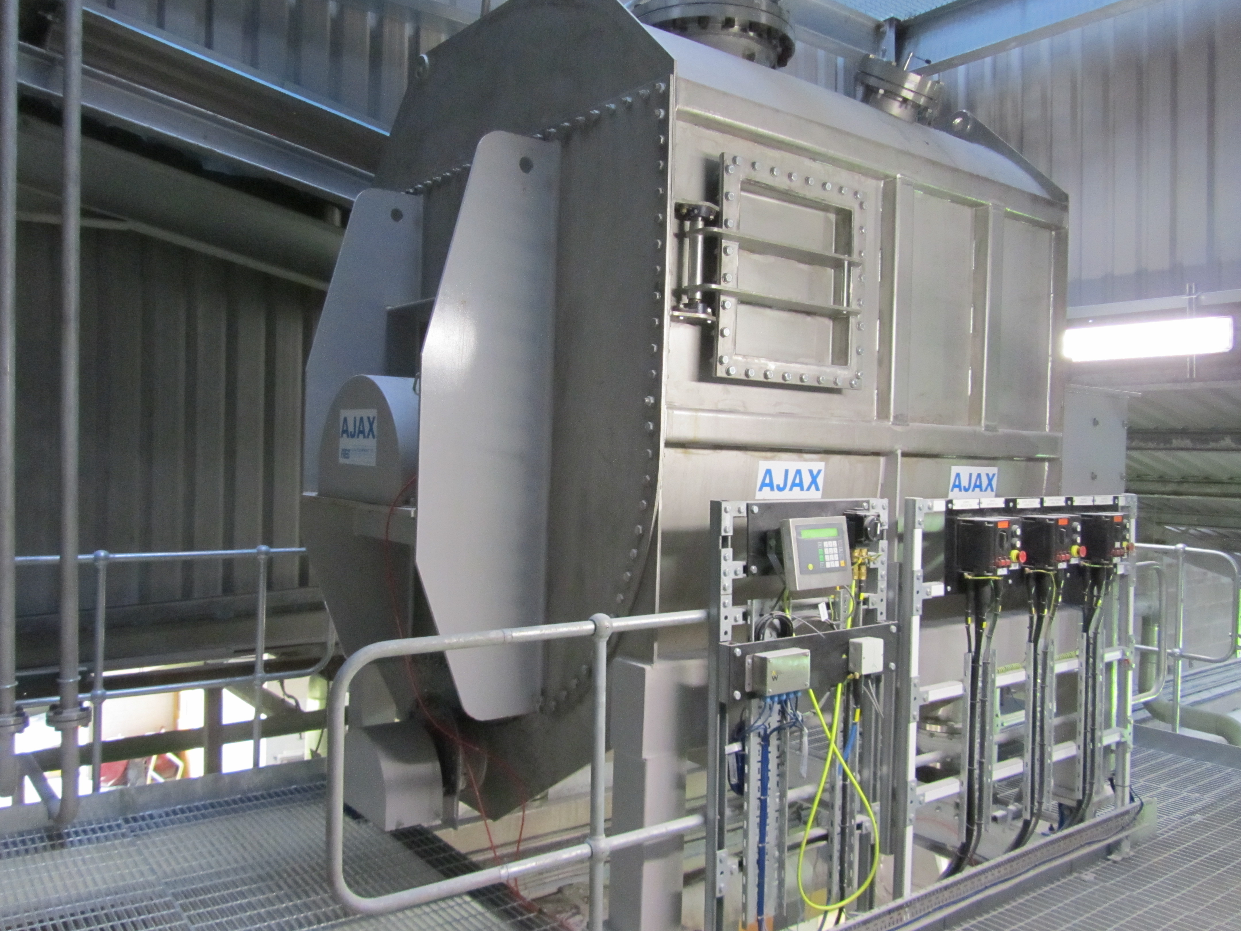 Large Agitated Screw Feeder For the Speciality Chemicals Industry